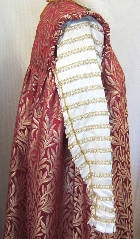 Historical Costumes Part 2 - Tales of the Lalloure